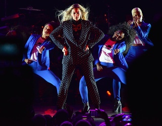 Photos of the Week: Pipeline Protests Continue and Beyonce on the Campaign Trail