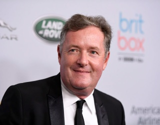 """Tweets of the Week: Is Piers Morgan the Pigeon Lady From """"Home Alone 2""""?"""
