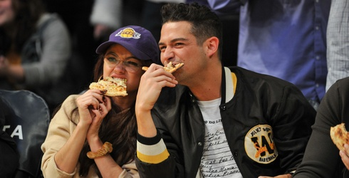 5 Reasons Sarah Hyland and Wells Adams Need Their Own TV Show