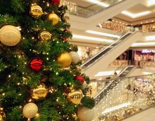 Weekend Wanderlust: Mall Santa Is Waiting Just Within These Winter Wonderlands