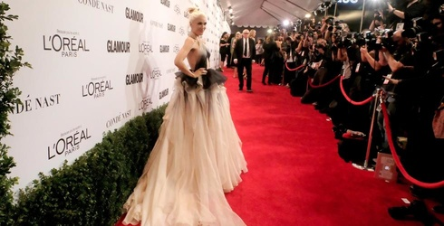 Gwen Stefani Wears Poufy Marchesa Gown, Continues to Have Best Year Ever
