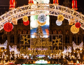 Weekend Wanderlust: Sit Back With a Mug of Cocoa and Enjoy Holiday Lights Around the Globe