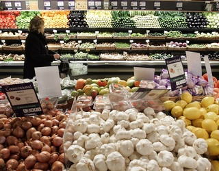 Whole Foods Is Slashing Prices on Turkeys So We Can All Eat Like Free-Range Royalty This Thanksgiving