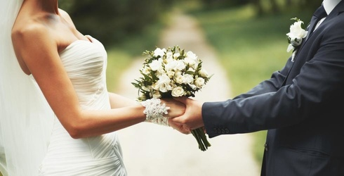Couple Upstages Bride and Groom at Their Wedding; Wins Award for Worst Friends Ever