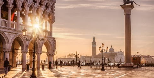 Can You Name the Italian City Just by a Photo of a Famous Landmark?