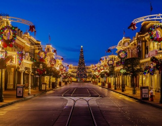 Disney World's Main Street USA Is a Christmas Dream