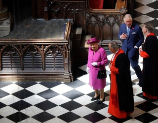 Queen Elizabeth Is the Most Powerful Piece in This Chess Puzzle