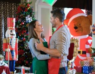 "Kick off Hallmark's 2020 Season With This ""Chateau Christmas"" Puzzle"