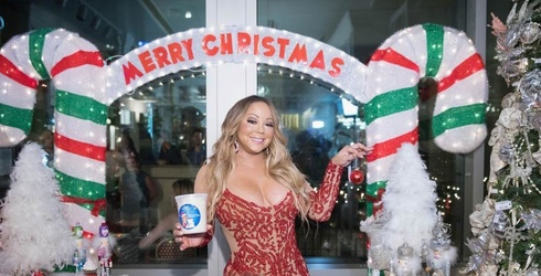 Can You Match These Photos of Mariah Carey Being Mariah Carey?