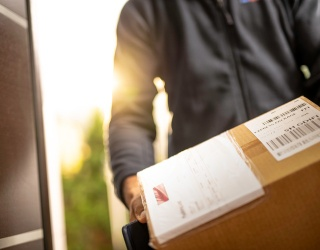 10 Moments That Prove Delivery Drivers Have Hearts of Pure Gold