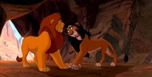 """""""The Lion King"""" Director Confirms Scar and Mufasa Weren't Real Brothers in Disney Classic"""