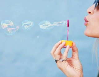 Pop Your Way Through This Bubble-Blowing Memory Match