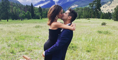 Even Though Miley & Liam Are Donezo, Do These 10 Couples Prove Love Isn't Dead?