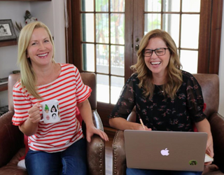 """Jenna Fischer & Angela Kinsey Start an """"Office"""" Podcast in Time for Your Next Binge"""