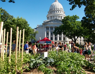 Which Of These Outdoor Farmers Markets Do You Need To Visit?