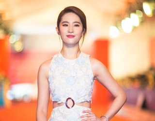 """Fast Facts: 5 Things to Know About Liu Yifei, Our New """"Mulan"""""""