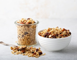 5 Delicious Granola Recipes to Make Your Morning Brighter
