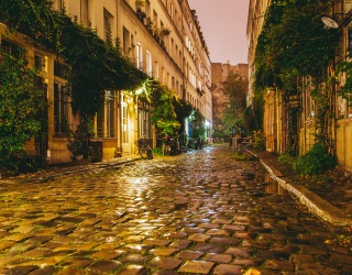 Can You Find Your Way Home Along This Cobblestoned Street Puzzle?