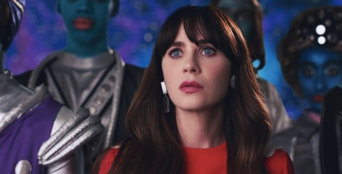 Aliens in Katy Perry's Latest Music Video Mistake Zooey Deschanel for Her
