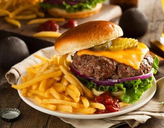Gather Your Fries and Pickles and Find the Differences in These Cheeseburger Photos