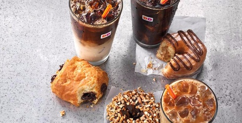 The New Spring Coffee and Treat Flavors at Dunkin' Donuts Will Warm Up Even the Most Frozen Heart