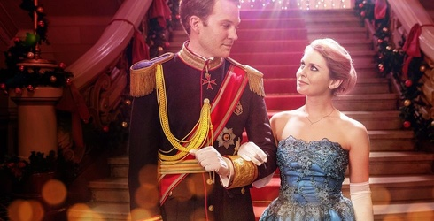 """Netflix Mocks 53 Subscribers Who Watched """"A Christmas Prince"""" 18 Times in 18 Days"""