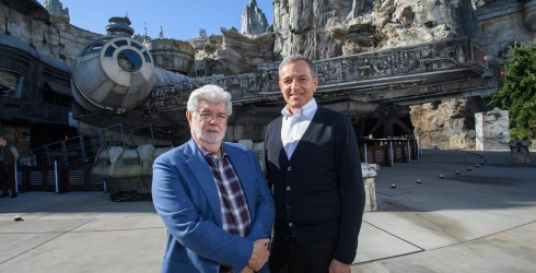 """Why It's a Good Thing George Lucas Didn't Write More """"Star Wars"""""""