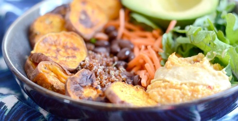 10 Meal Bowl Recipes to Start 2017 Off Right