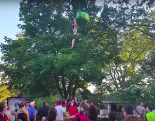 A Crowd of Onlookers Managed to Catch a Girl After She Fell From a Ride at Six Flags
