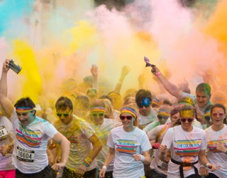 Don Your Brightest Whites and Sprint Through This Color Run Puzzle
