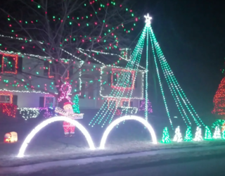 """Home Syncs Christmas Lights up To """"Party Rock,"""" Happily ODs on Holiday Cheer"""