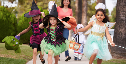 Can You Find the Differences in These Trick or Treat Photos?