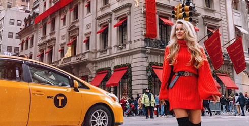 Cartier Decked Its Halls for the Holidays and Influencers Flocked to Get Their Perfect Shot