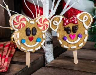 Match These Photos to Reveal Mouse Ear-Approved Christmas Treats