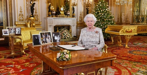 People are Mad at the Queen Over a Gold Piano