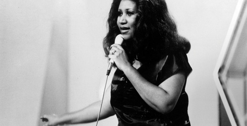 Let Us Toast the Legendary Aretha Franklin With a Few Classic Photos