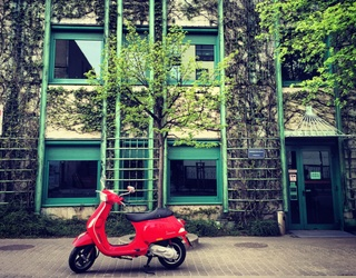 Scoot Through This Vespa Memory Match on Your Way Along Italy's Streets