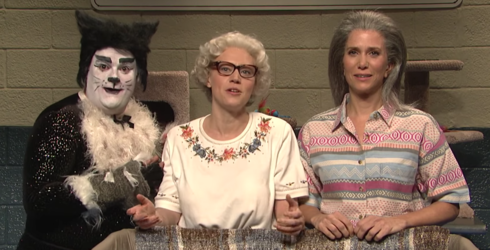 Kristen Wiig and Kate McKinnon Offer up a Hilariously Creepy Black Friday Deal on SNL