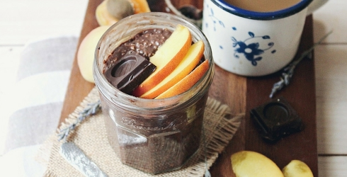 10 Breakfast Mason Jar Recipes That Will Make Your Coworkers Jealous