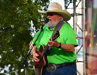 Country Music Legend Charlie Daniels Has Beef With Taco Bell Over the Illuminati