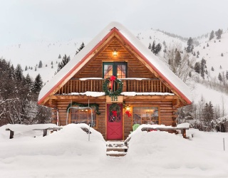 Travel Tuesday: 8 Airbnbs That Bring the Holidays to You