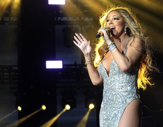 """Mariah Carey Reflects on Her Botched New Year's Eve Performance: """"I Blame Everybody"""""""