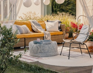 11 Adorable Patio Ideas for Your Backyard Lounging
