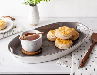 8 of the Cutest Honey Pots to Spruce up Your Kitchen Counter