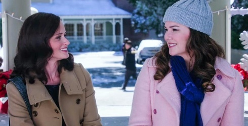 """Gilmore Girls"" Revival: ""Winter"" in Stars Hollow"