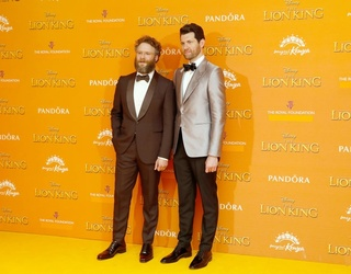 """Billy Eichner Was Every Royal Fan At """"The Lion King"""" Premiere"""
