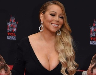 16 Times Mariah Carey's Boobs Just Wouldn't Quit