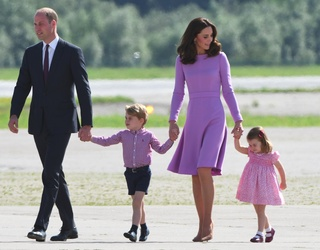 Kate Middleton Expecting Third Baby, Announces It in Most Relatable Way Possible