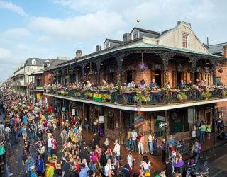 Show Some Mardi Gras Spirit and Spot These Bourbon Street Differences