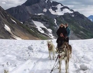 """Here's The """"Alaskan Flat Tire"""" and Other Funny Husky Memes, Just Because"""